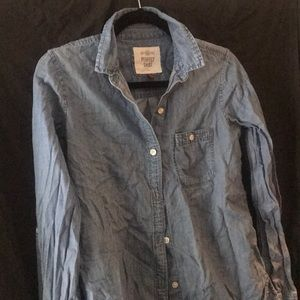 Rustic PERFECT denim button down shirt size SMALL